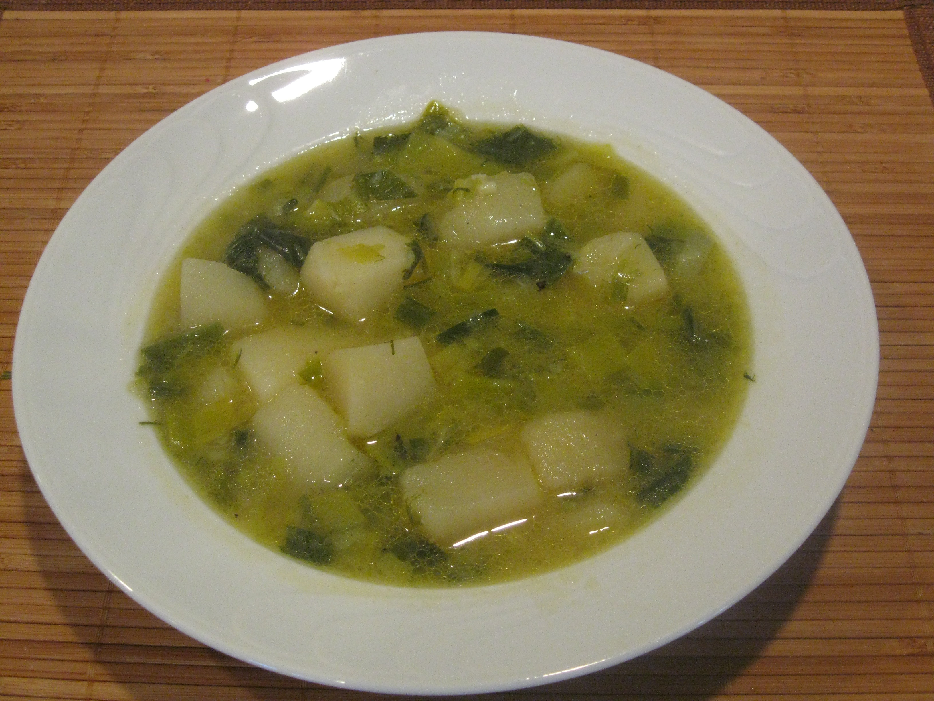Chunky leek and potato soup | Mydinnertoday