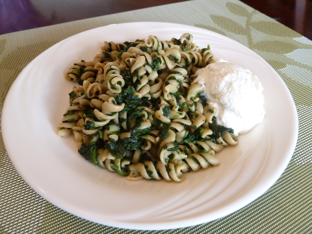 Whole wheat pasta with spinach (2/2)
